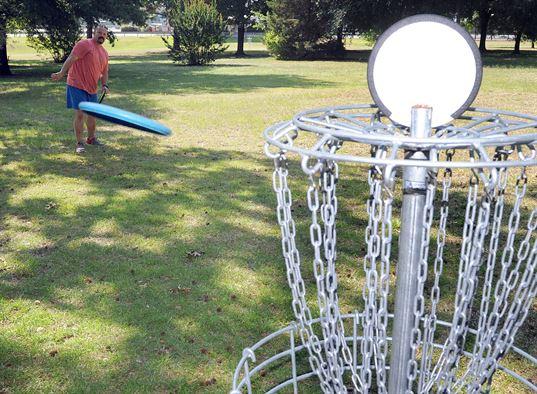 Disc Golf Play